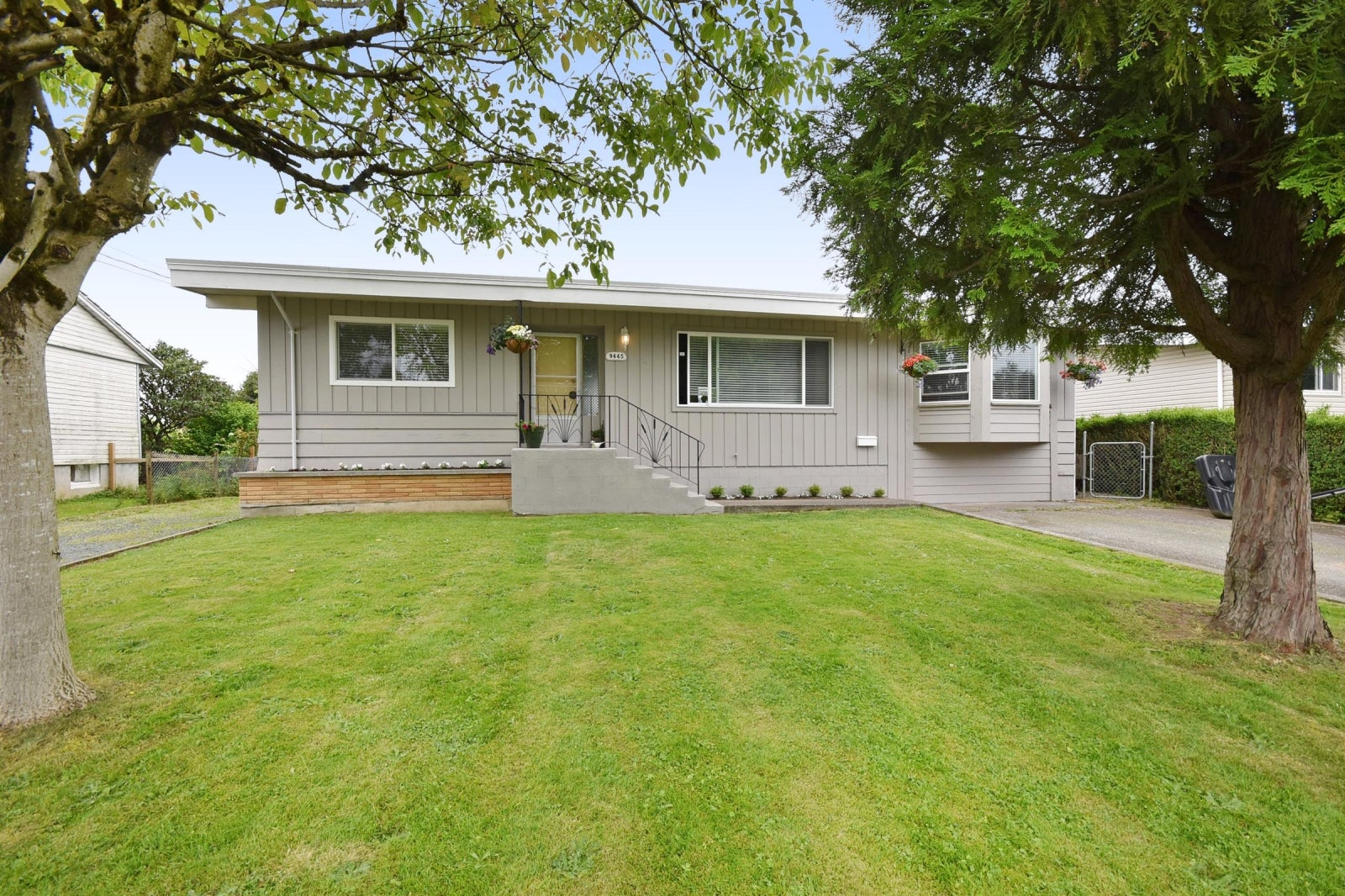 9445 CARLETON STREET - Chilliwack E Young-Yale House/Single Family for sale, 3 Bedrooms (R2180991) #1