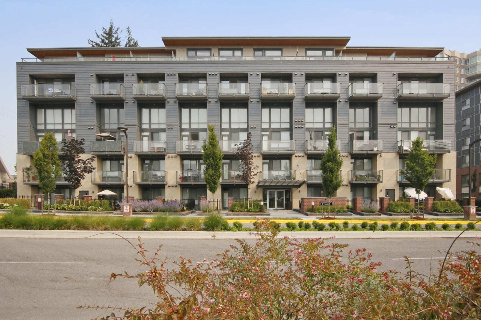111 3090 GLADWIN ROAD - Central Abbotsford Apartment/Condo for sale, 2 Bedrooms (R2194428) #1